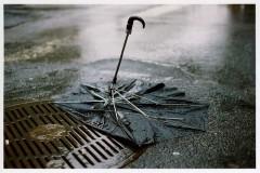 Parapluie cassé.jpg