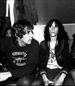 Patti Smith et John Cale.png